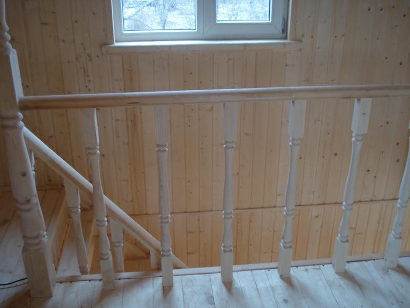 Вид с мансарды на лестницу