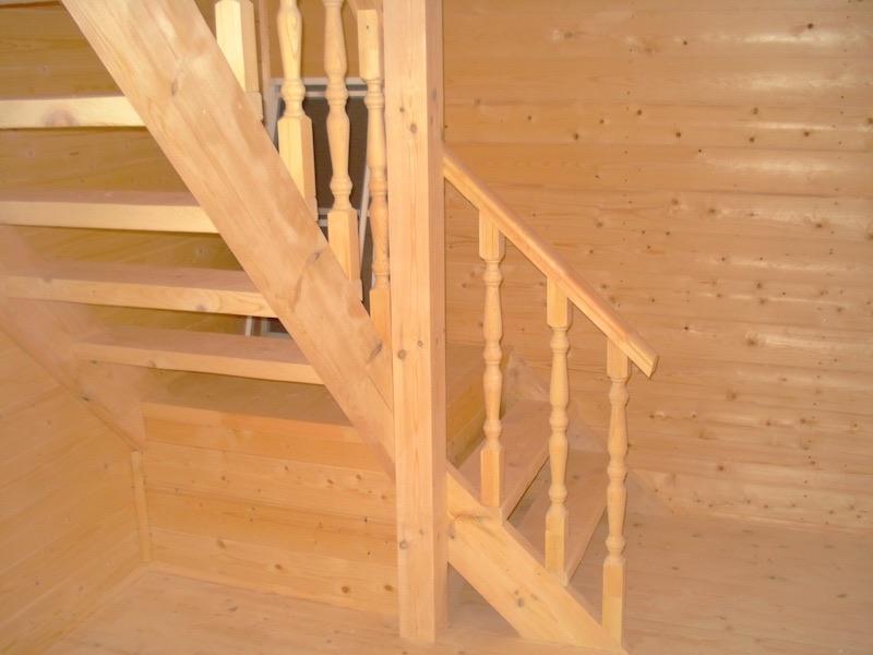Вид на мансардную лестницу